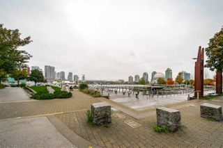"Photo 20: 359 108 W 1ST Avenue in Vancouver: False Creek Condo for sale in ""WALL CENTRE FALSE CREEK"" (Vancouver West)  : MLS®# R2411959"