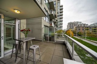 "Photo 18: 359 108 W 1ST Avenue in Vancouver: False Creek Condo for sale in ""WALL CENTRE FALSE CREEK"" (Vancouver West)  : MLS®# R2411959"