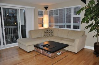 Photo 2: 308 1868 West 5th Avenue in Greenwich on 5th: Kitsilano Home for sale ()
