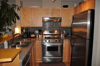 Photo 4: 308 1868 West 5th Avenue in Greenwich on 5th: Kitsilano Home for sale ()