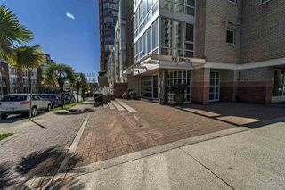 """Photo 2: 311 910 BEACH Avenue in Vancouver: Yaletown Condo for sale in """"Meridian"""" (Vancouver West)  : MLS®# R2449124"""