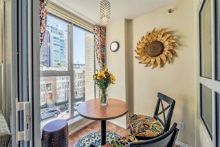"""Photo 5: 311 910 BEACH Avenue in Vancouver: Yaletown Condo for sale in """"Meridian"""" (Vancouver West)  : MLS®# R2449124"""