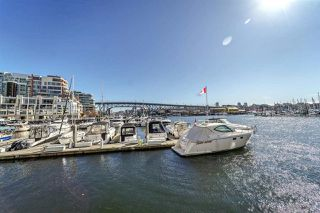 """Photo 15: 311 910 BEACH Avenue in Vancouver: Yaletown Condo for sale in """"Meridian"""" (Vancouver West)  : MLS®# R2449124"""