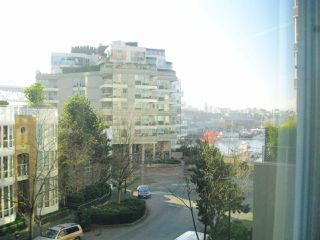 """Photo 11: 311 910 BEACH Avenue in Vancouver: Yaletown Condo for sale in """"Meridian"""" (Vancouver West)  : MLS®# R2449124"""