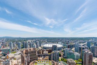 "Photo 15: PH6 777 RICHARDS Street in Vancouver: Downtown VW Condo for sale in ""TELUS GARDEN"" (Vancouver West)  : MLS®# R2463480"
