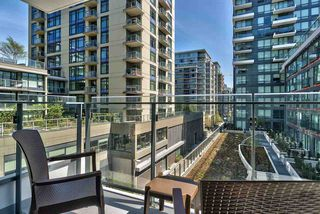 """Photo 8: 503 1788 COLUMBIA Street in Vancouver: False Creek Condo for sale in """"EPIC AT WEST"""" (Vancouver West)  : MLS®# R2466069"""