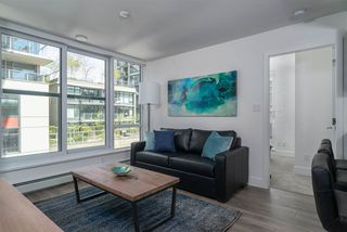 """Photo 3: 503 1788 COLUMBIA Street in Vancouver: False Creek Condo for sale in """"EPIC AT WEST"""" (Vancouver West)  : MLS®# R2466069"""