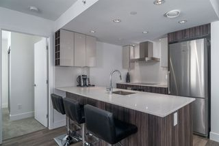 """Photo 2: 503 1788 COLUMBIA Street in Vancouver: False Creek Condo for sale in """"EPIC AT WEST"""" (Vancouver West)  : MLS®# R2466069"""