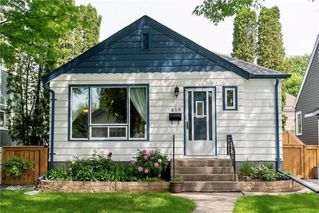 Photo 1: 813 Dudley Avenue in Winnipeg: Residential for sale (1B)  : MLS®# 202013908