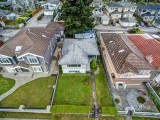 Photo 25: 6165 CLINTON Street in Burnaby: South Slope House for sale (Burnaby South)  : MLS®# R2471013