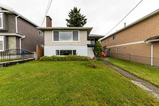 Photo 2: 6165 CLINTON Street in Burnaby: South Slope House for sale (Burnaby South)  : MLS®# R2471013
