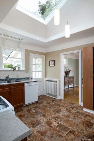 Photo 13: 50 Cambridge St in Victoria: Vi Fairfield West Half Duplex for sale : MLS®# 844807