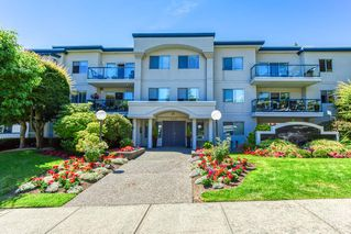 "Photo 1: 302 1441 BLACKWOOD Street in Surrey: White Rock Condo for sale in ""The Capistrano"" (South Surrey White Rock)  : MLS®# R2481015"