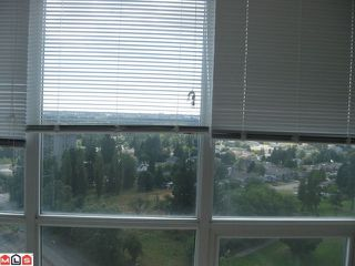 Photo 6: 2209 13618 100TH Avenue in Surrey: Whalley Condo for sale (North Surrey)  : MLS®# F1119475