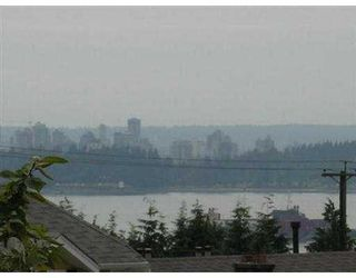 Photo 3: 408 W 14TH Street in North Vancouver: Central Lonsdale House for sale : MLS®# V542685