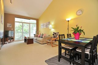 Photo 2: 416 6888 Southpoint Drive in Burnaby: South Slope Condo for sale (Burnaby South)  : MLS®# V1003372