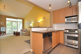 Photo 3: 416 6888 Southpoint Drive in Burnaby: South Slope Condo for sale (Burnaby South)  : MLS®# V1003372