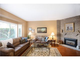 Photo 3: 2242 PARADISE Avenue in Coquitlam: Coquitlam East House for sale : MLS®# V1036673