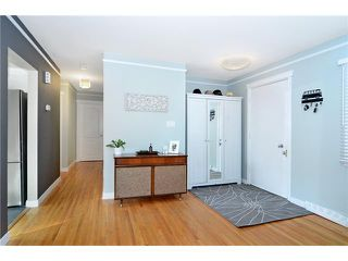 Photo 4: 99 HANOVER Road SW in CALGARY: Haysboro Residential Detached Single Family for sale (Calgary)  : MLS®# C3601684
