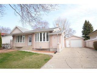Photo 2: 54 FUHRMANN Crescent in Regina: Walsh Acres Single Family Dwelling for sale (Regina Area 01)  : MLS®# 498152
