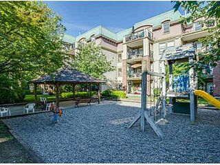 """Photo 4: 209 1591 BOOTH Avenue in Coquitlam: Maillardville Condo for sale in """"LE LAURENTIAN"""" : MLS®# V1096877"""
