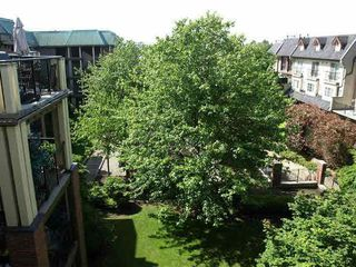 """Photo 6: 209 1591 BOOTH Avenue in Coquitlam: Maillardville Condo for sale in """"LE LAURENTIAN"""" : MLS®# V1096877"""