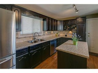 Photo 3: 6210 180TH Street in Surrey: Cloverdale BC House for sale (Cloverdale)  : MLS®# F1432805