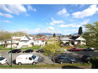 Photo 12: 2528 ADANAC Street in Vancouver: Renfrew VE House for sale (Vancouver East)  : MLS®# V1114611