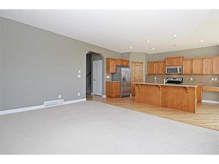 Photo 7: 116 CRANRIDGE Crescent SE in Calgary: Cranston House for sale : MLS®# C4008758