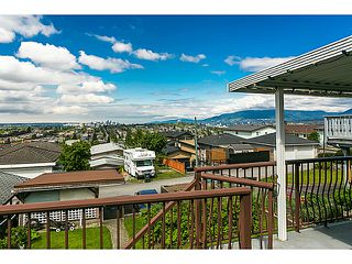 """Photo 8: 321 HYTHE Avenue in Burnaby: Capitol Hill BN House for sale in """"CAPITOL HILL"""" (Burnaby North)  : MLS®# V1123724"""