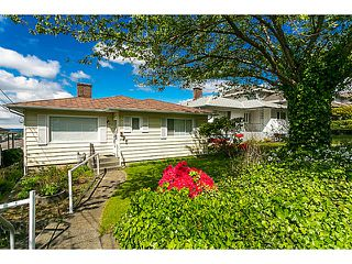 """Photo 4: 321 HYTHE Avenue in Burnaby: Capitol Hill BN House for sale in """"CAPITOL HILL"""" (Burnaby North)  : MLS®# V1123724"""