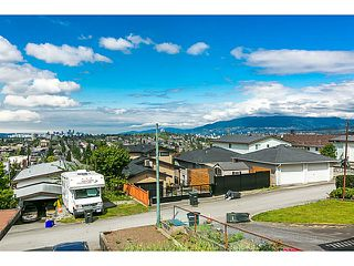 """Photo 1: 321 HYTHE Avenue in Burnaby: Capitol Hill BN House for sale in """"CAPITOL HILL"""" (Burnaby North)  : MLS®# V1123724"""