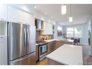 Photo 8: 3252 Hazelwood Rd in VICTORIA: La Happy Valley Single Family Detached for sale (Langford)  : MLS®# 714113