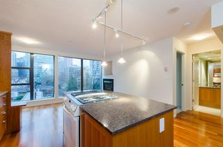 "Photo 2: 608 1723 ALBERNI Street in Vancouver: West End VW Condo for sale in ""The Park"" (Vancouver West)  : MLS®# R2015655"
