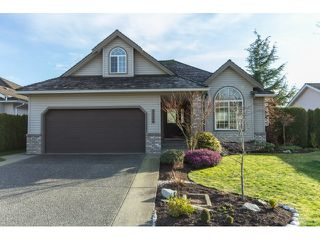 Photo 2: 31466 UPPER MACLURE Road in Abbotsford: Abbotsford West House for sale : MLS®# R2037745