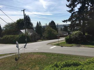 Photo 3: 1029 DELESTRE Avenue in Coquitlam: Maillardville House for sale : MLS®# R2058511