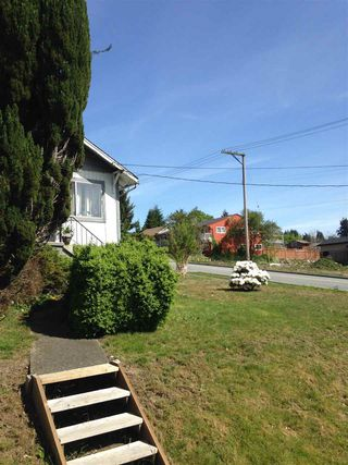 Photo 9: 1029 DELESTRE Avenue in Coquitlam: Maillardville House for sale : MLS®# R2058511
