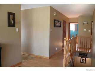 Photo 2: 842 Parkhill Street in Winnipeg: Westwood / Crestview Residential for sale (West Winnipeg)  : MLS®# 1611596