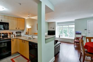Photo 9: 28 7428 SOUTHWYNDE Avenue in Burnaby: South Slope Townhouse for sale (Burnaby South)  : MLS®# R2071528