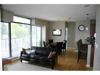 Photo 2: 1102 11 ROYAL Ave E: Fraserview NW Home for sale ()  : MLS®# V899627