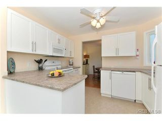 Photo 9: 204 1801 Fern St in VICTORIA: Vi Jubilee Condo Apartment for sale (Victoria)  : MLS®# 740827