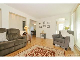 Photo 5: 204 1801 Fern St in VICTORIA: Vi Jubilee Condo Apartment for sale (Victoria)  : MLS®# 740827