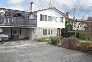 """Photo 1: 11544 WILDWOOD Crescent in Pitt Meadows: South Meadows House for sale in """"WILDWOOD PARK"""" : MLS®# R2123509"""