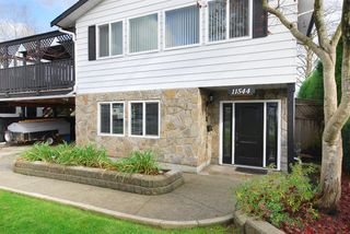 """Photo 2: 11544 WILDWOOD Crescent in Pitt Meadows: South Meadows House for sale in """"WILDWOOD PARK"""" : MLS®# R2123509"""
