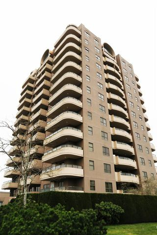 "Photo 8: 802 6611 COONEY Road in Richmond: Brighouse Condo for sale in ""MANHATTAN TOWER"" : MLS®# R2143069"