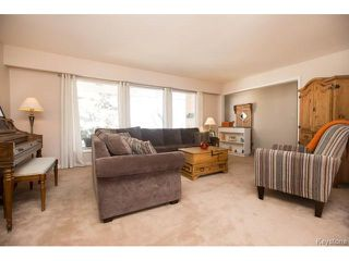 Photo 3: 777 Airlies Street in Winnipeg: Garden City Residential for sale (4G)  : MLS®# 1706387