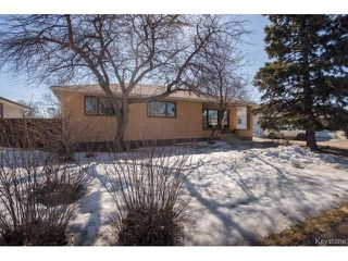 Photo 1: 777 Airlies Street in Winnipeg: Garden City Residential for sale (4G)  : MLS®# 1706387
