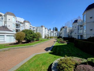 "Photo 18: 307 1219 JOHNSON Street in Coquitlam: Scott Creek Condo for sale in ""Mountainside Place"" : MLS®# R2152498"