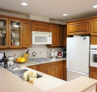 Photo 3: 213 5770 OAK STREET in Vancouver West: Oakridge VW Home for sale ()  : MLS®# R2033017
