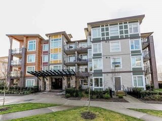 Photo 1: 415 13740 75A Avenue in Surrey: East Newton Condo for sale : MLS®# R2154297